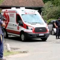Ambulancias y medios de comunicación abarrotan la casa de Maradona