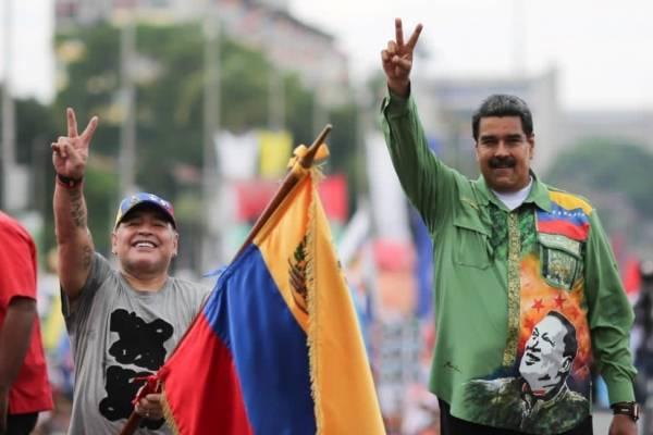 """Nicolás Maduro tras la muerte de Diego Maradona: """"Nos ha dejado un amigo incondicional de Venezuela"""""""