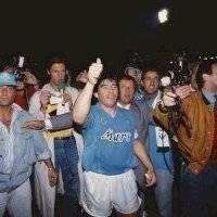 Diego Maradona y un palmarés que lo vio alzarse como un superhéroe