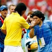 De mago a mago, Ronaldinho reacciona con extenso mensaje a muerte de Maradona