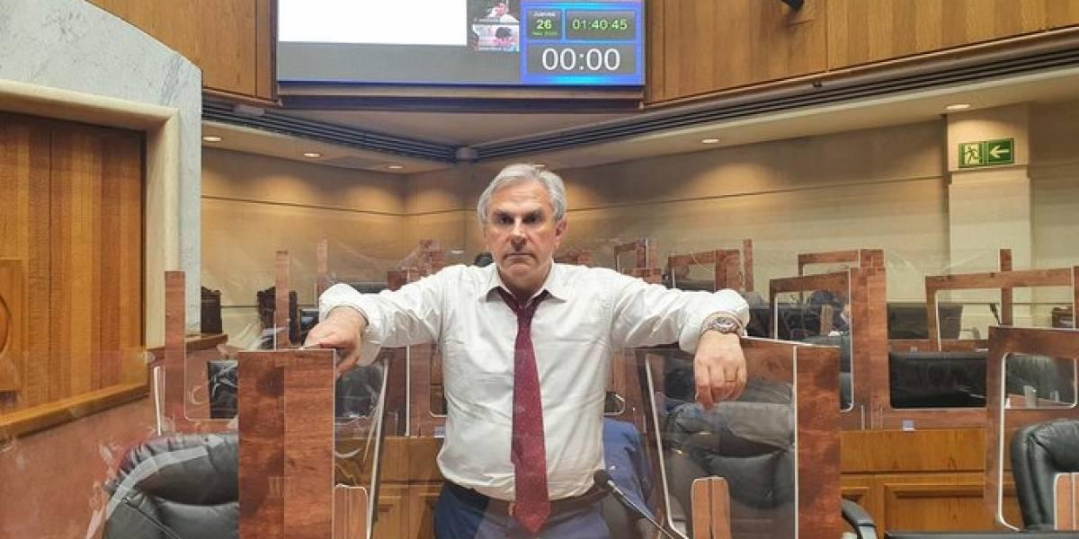 """Moreira: """"Cumpliendo una noche de vigilia en un testimonio para esperar la aprobación del segundo retiro"""""""
