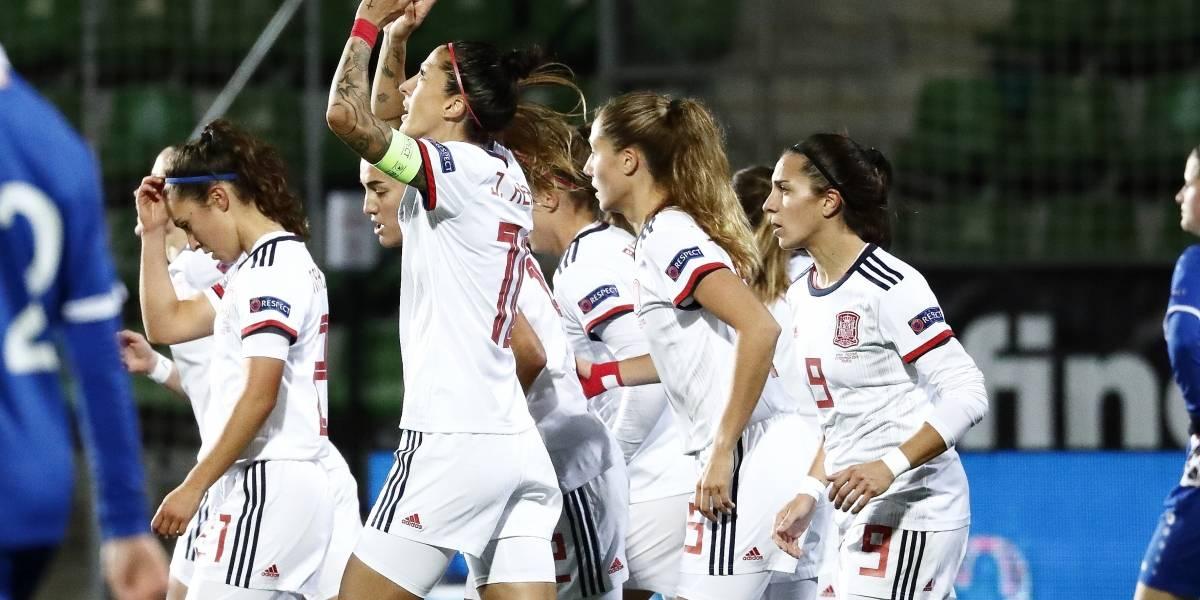 Fútbol/Selección.- España repite goleada ante Moldavia y acaricia la Eurocopa femenina
