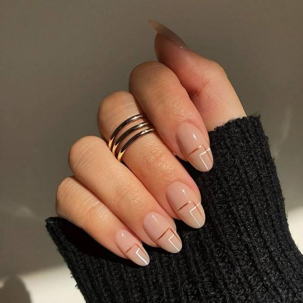 Pin en Tendencias 2020-2021: diseño de uñas