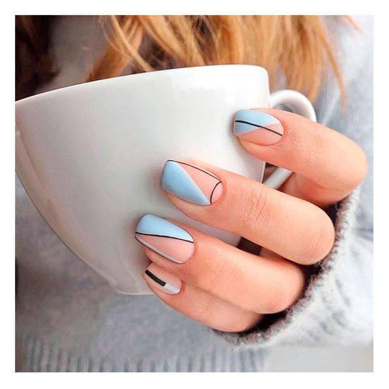 diseños de uñas abstractas