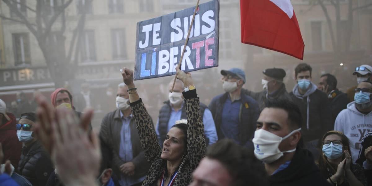 Francia: mascarilla será necesaria incluso después de vacuna