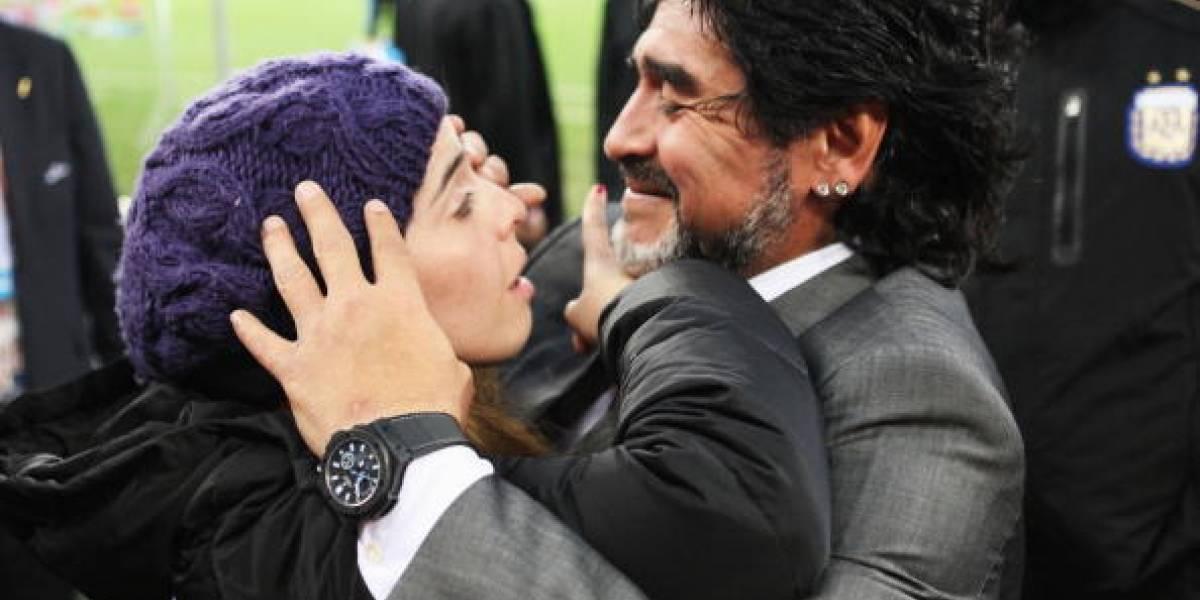 Piel de gallina: La emotiva despedida de Dalma Maradona a su padre