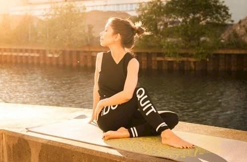 La meditación o técnicas de relajación pueden ayudarte a controlar la ansiedad y mejorar la situación.