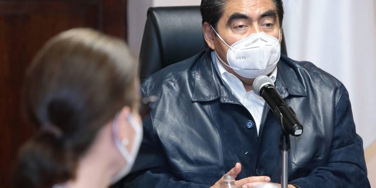 Piden a Gobierno de Puebla no bloquear a medios en ruedas de prensa