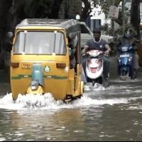 Al menos tres muertos  y varias calles inundadas a causa del ciclón Nirav en la India