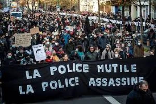 Protesta en París deja un centenar de detenidos por incidentes y más de 60 policías heridos
