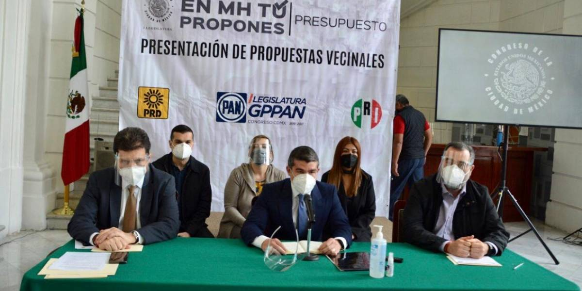 Diputados exigen a Víctor Hugo Romo construir un presupuesto social y no político