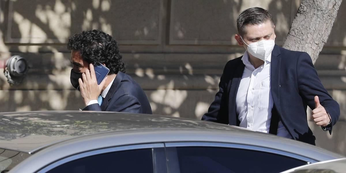 Robo al auto del ministro Ignacio Briones genera debate por actuar policial