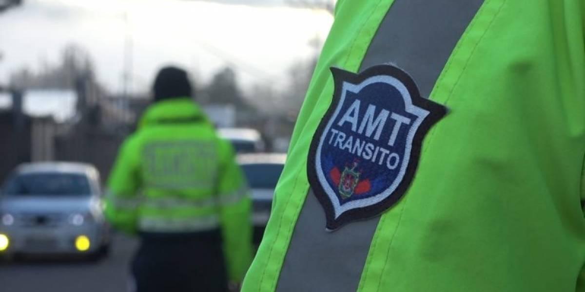 Quito: Una mujer agente de tránsito fue agredida por un conductor de bus interprovincial