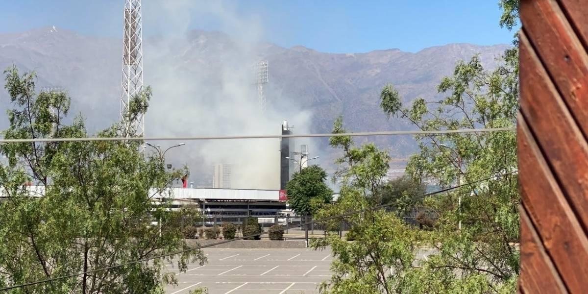 No hay paz en Colo Colo: pastizales habrían provocado incendio en el estadio Monumental