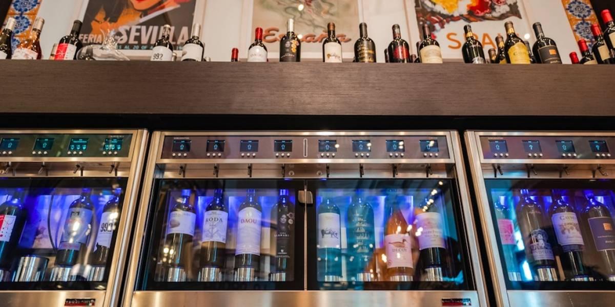 Moderno sistema de autoservicio de vino en Barullo