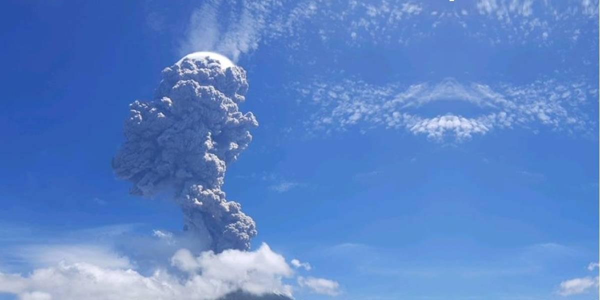 Video: volcán Lewotolo hace erupción brutal en Indonesia y se vuelve viral