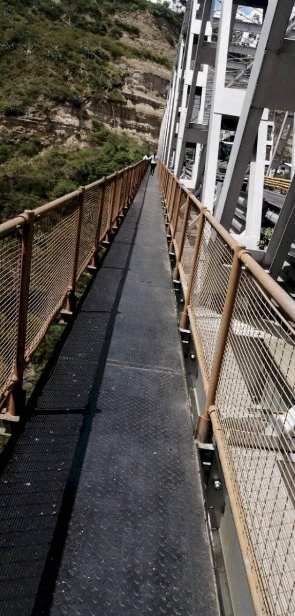 Mujer intentó saltar del puente del río Chiche