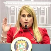 Gobernadora firma medida para agilizar mediación compulsoria en ejecuciones de hipotecas