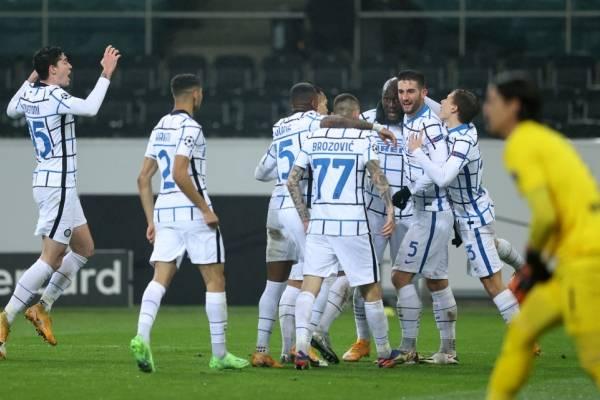 Inter de Milán con Alexis Sánchez y sin Arturo Vidal sigue con vida en la Champions League