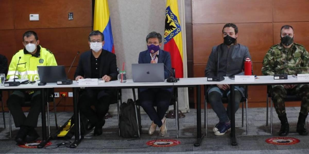 Por irse de vacaciones, congresistas exigen renuncia de Claudia López