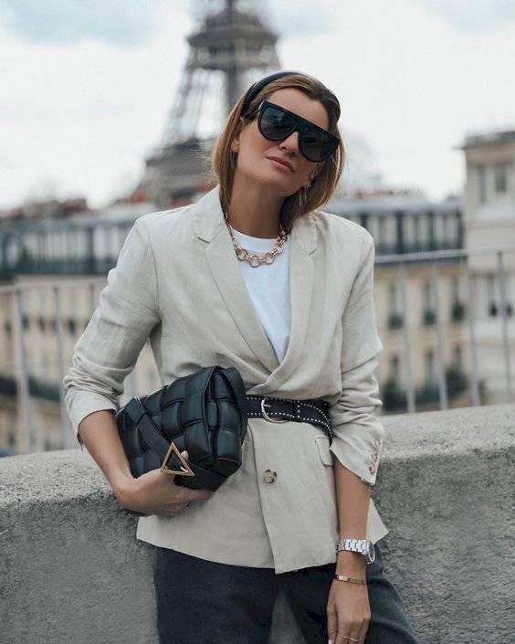 prendas básicas mujer moderna