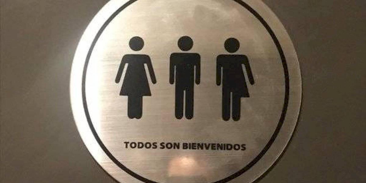 """Starbucks Chile inaugurará sus primeros baños inclusivos: """"Disponibles para el uso de tod@s"""""""