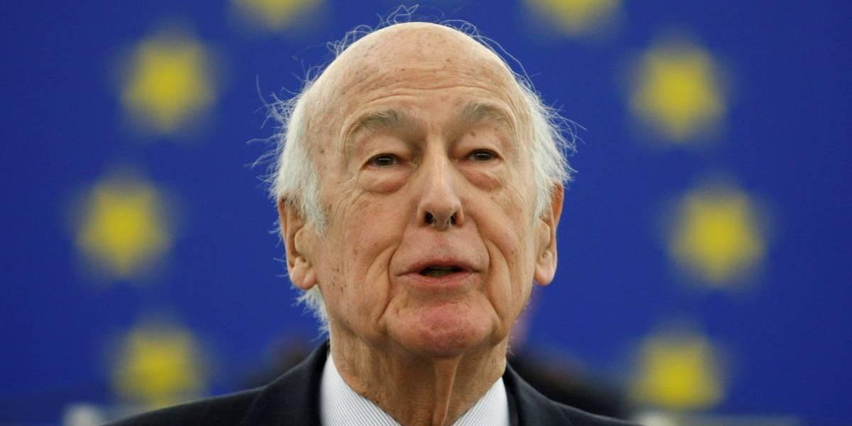Duelo en Francia por la muerte del ex presidente Giscard: modernizó el país y en su gobierno propició el divorcio y el aborto