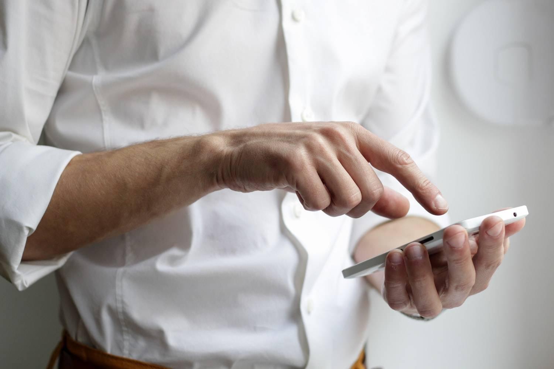 El uso del teléfono no causa ansiedad ni depresión.