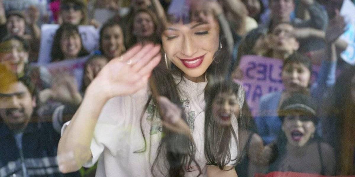 Serie de Netflix invita a conocer más de Selena Quintanilla