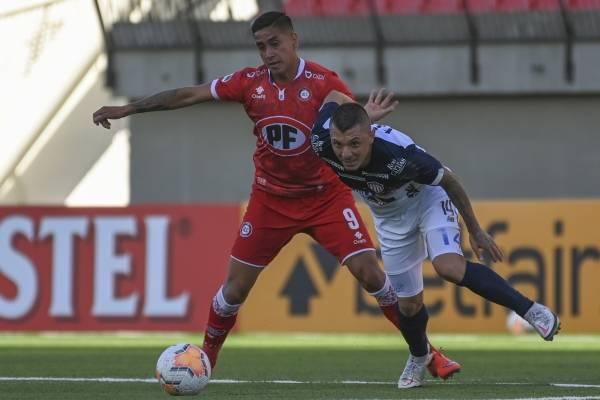 Unión La Calera no tuvo la efectividad en los penales y quedó eliminada en la Copa Sudamericana