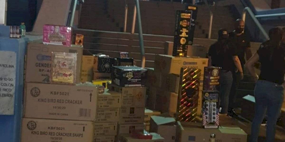 Ocupan cientos de cajas con pirotecnia durante allanamiento en Carolina