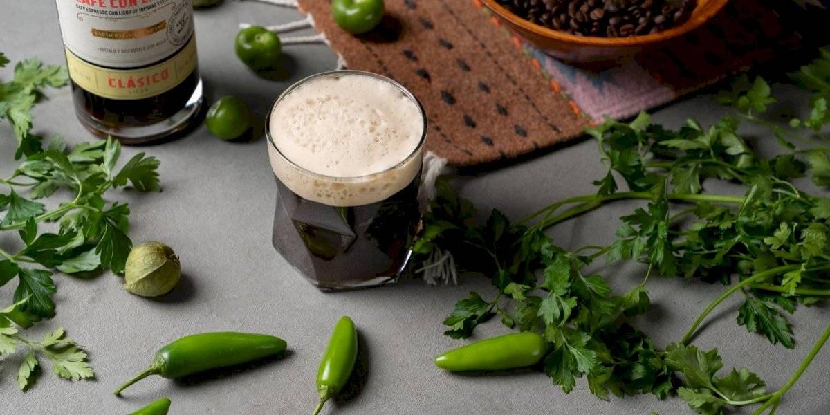Llena de sabor tu sobremesa en estas celebraciones con un licor que te encantará