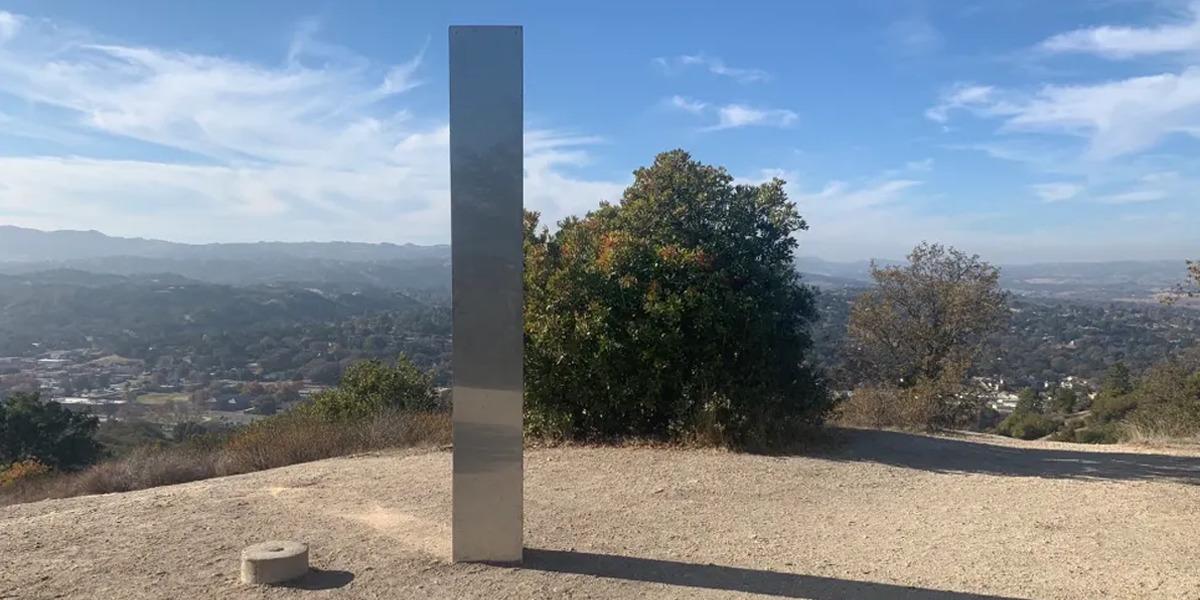 Monolito misterioso aparece ahora en California, pero este es distinto a los otros