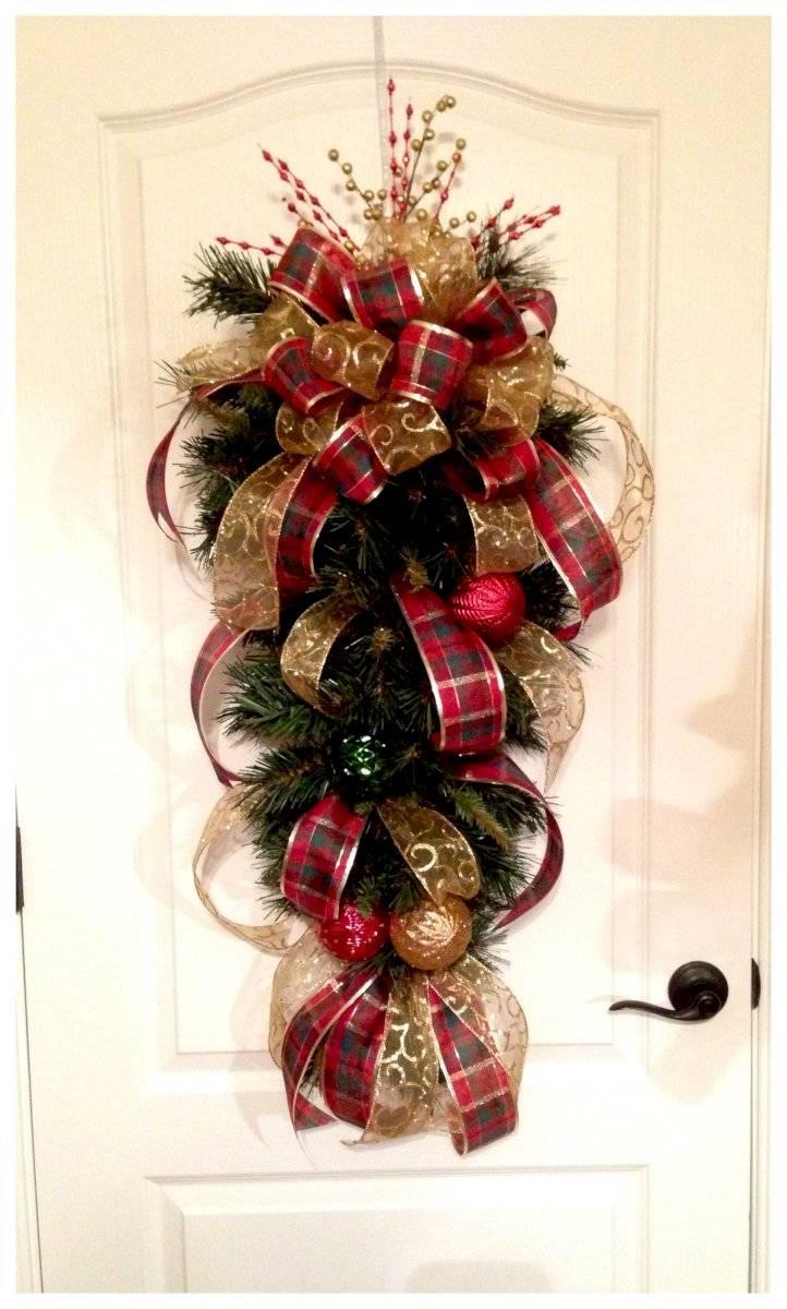 Los lazos son un elemento decorativo tradicional en la navidad.