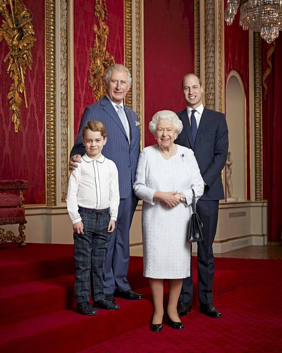 Reina Isabel no usa pantalones