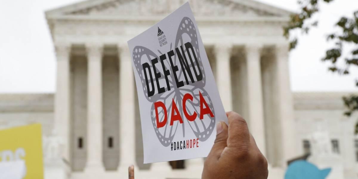 Juez ordena a gobierno de Trump aceptar nuevas solicitudes del DACA