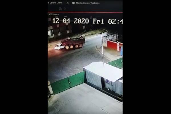 Quilicura: tanqueta militar se cruzó en el camino de conductor ebrio que había escapado de un control
