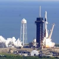 La SpaceX Dragon despega para llevar suministros a la Estación Espacial Internacional