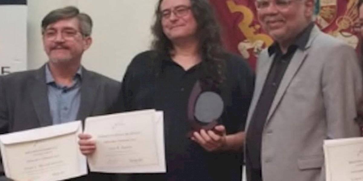 Reconocen a dos profesores de Estudios Hispánicos del RUM