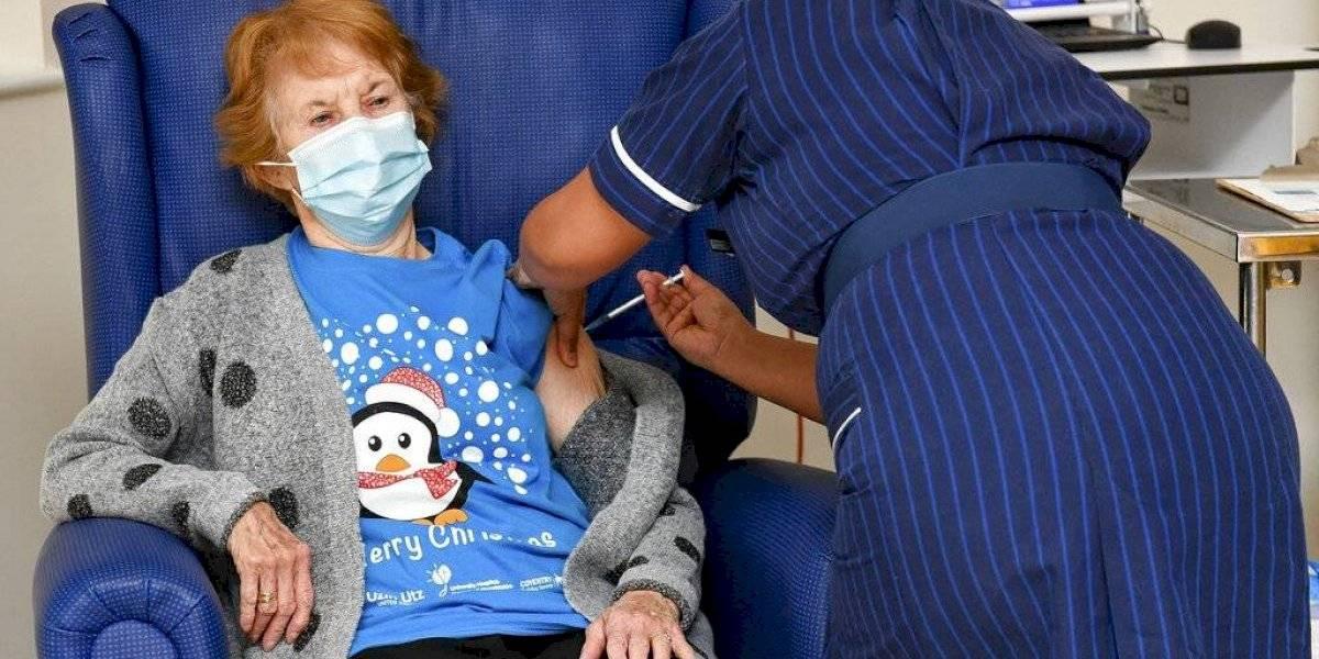 Gran Bretaña comienza vacunaciones contra el COVID-19