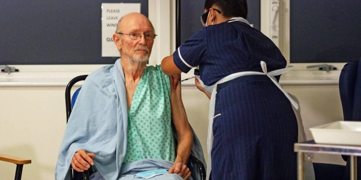 Coronavirus: comenzó la vacunación en Reino Unido, ¡William Shakespeare recibió su dosis!