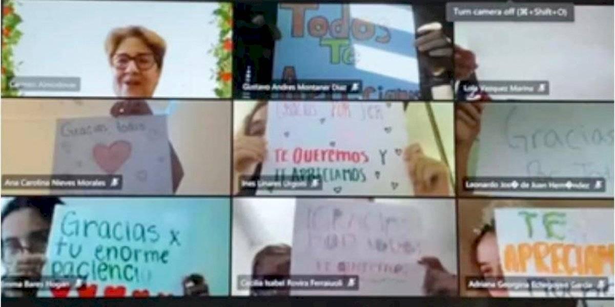 Estudiantes sorprenden a maestros con carteles de agradecimiento en clases virtuales