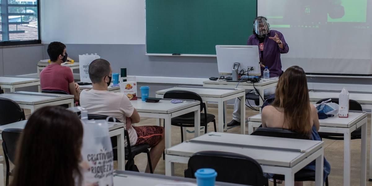 São Paulo terá comissão médica para orientar volta às aulas