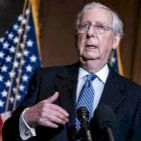 Líder del Senado federal bloquea medida para aumentar estímulo a $2,000