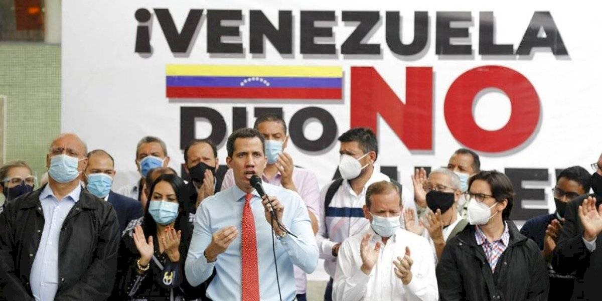 Guaidó impulsa consulta popular en Venezuela contra Maduro