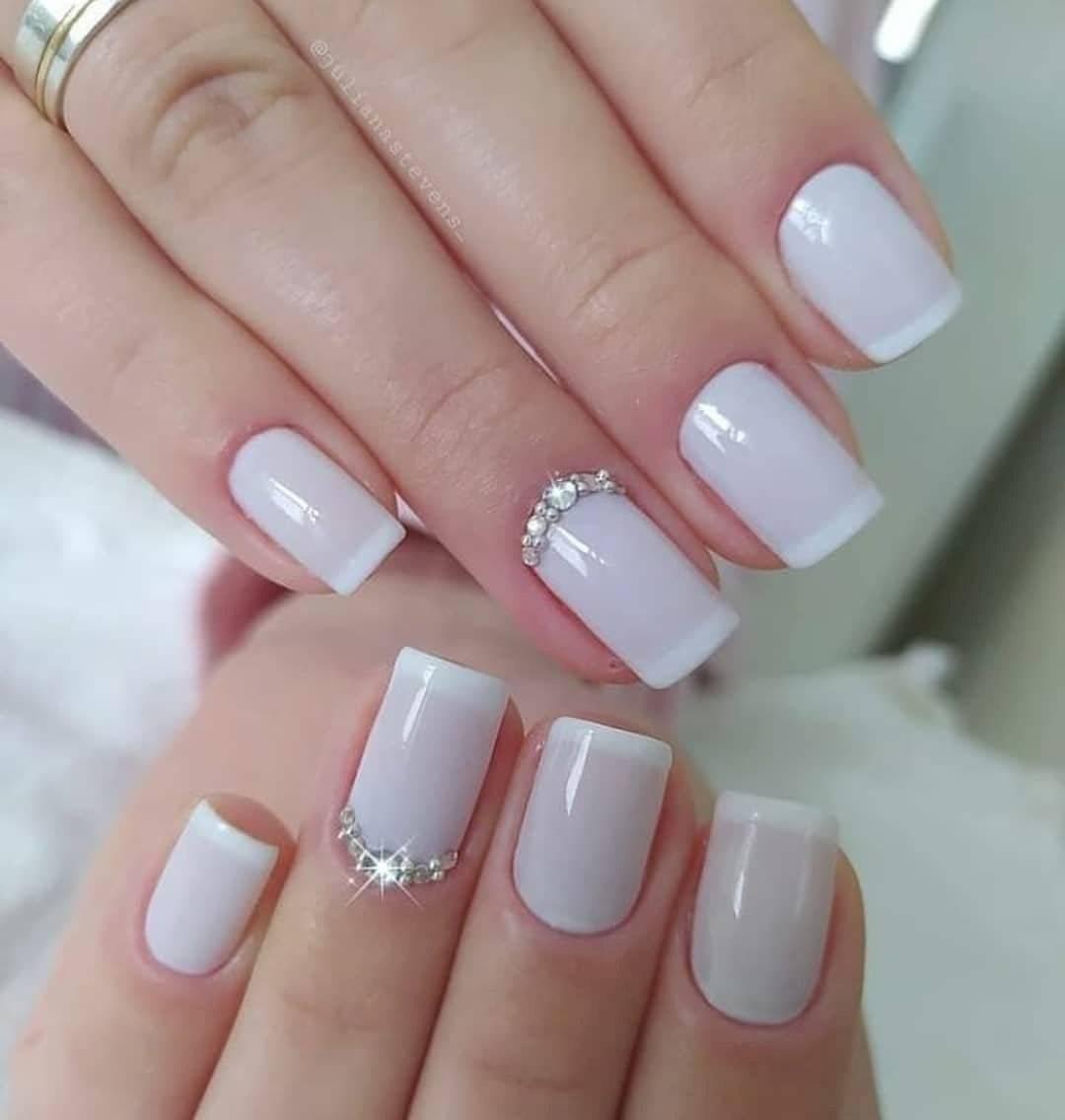 diseños de uñas para mujeres maduras
