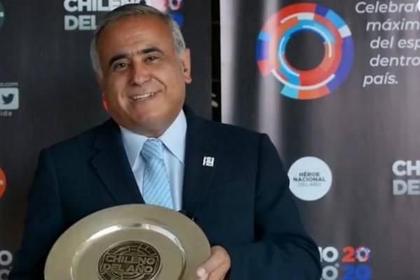 """Doctor Ugarte fue premiado como """"chileno del año"""" y """"héroe nacional del año"""""""