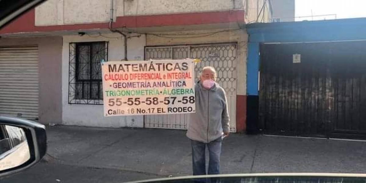 Maestro de la tercera edad se vuelve viral al ofrecer clases en la calle de la CDMX