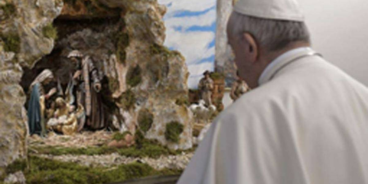 Críticas para el Papa Francisco: ¿qué hace un astronauta en el presebre de Navidad del Vaticano?