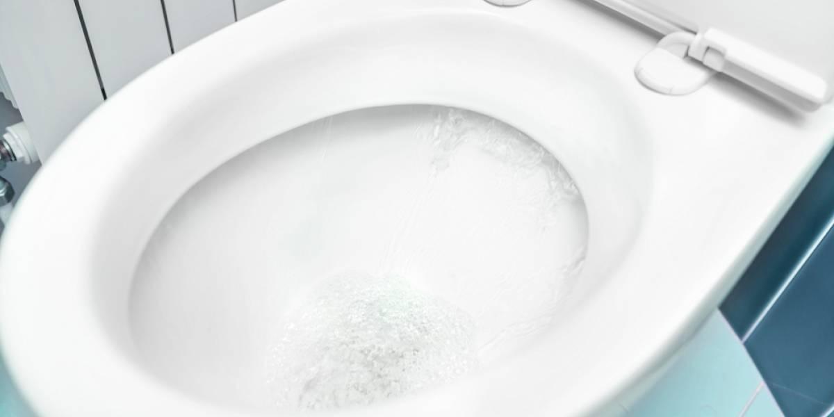Descubren en China que entrenador obligaba a niños a lavarse la cara con agua del inodoro